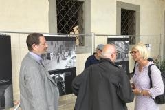 Monica Barni, vicepresidente della Regione Toscana, e Angelo Ciuni, prefetto di Pistoia, in visita alla mostra